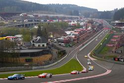 Start: #77 Team Felbermayr Proton Porsche 997 GT3 RSR: Marc Lieb, Richard Lietz, #91 CRS Racing Ferrari F430 GT: Andrew Kirkaldy, Tim Mullen