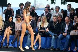 Amber Lounge Fashion Show, Nico Hulkenberg, Williams F1 Team watch the girl