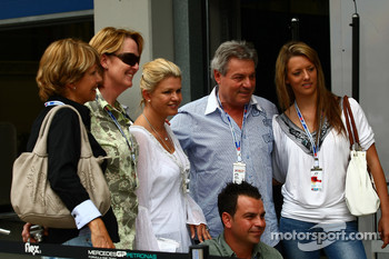 Corina Schumacher, Corinna, Wife of Michael Schumacher with friends