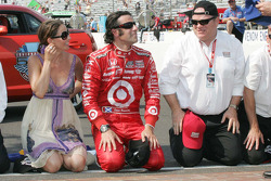 Ashley Judd, Dario Franchitti & Chip Ganassi, Target Chip Ganassi Racing prepare to kiss the bricks