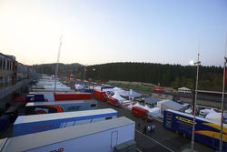 Blue sky over the Spa Francorchamps paddock