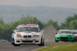 #24 V-Pack Motorsport BMW 330i: Ari Straus, Sam Schultz