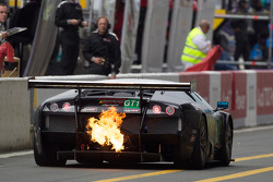 #69 JLOC Lamborghini Murcielago: Atsushi Yogo, Koji Yamanishi, Hiroyuki Iiri with fire