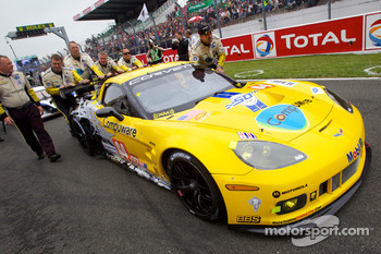 #64 Corvette Racing Chevrolet Corvette C6 ZRL on starting grid