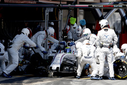 Felipe Massa, Williams FW38, makes a pit stop during the race