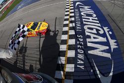 Sieg für Joey Logano, Team Penske, Ford