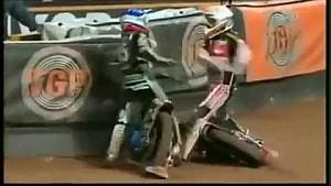 Helmet fight in motorsport