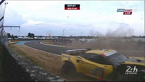 Magnussen crashes Porsche Curves