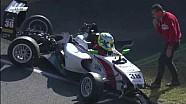 Авария на старте второй гонки итальянской Формулы 4 в Муджелло