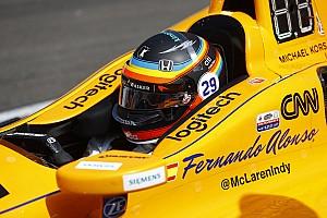 Formel 1 News F1 in Austin: Fernando Alonso fährt mit Indy-500-Helmdesign