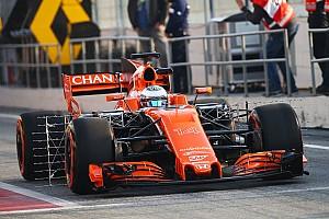 Alonso luce un diseño provisional de casco en los test de pretemporada