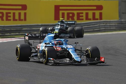 """Ocon dice que su triunfo fue """"un trabajo de equipo"""" con Alonso"""