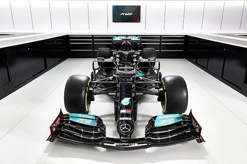 Mercedes Bantah Alami Masalah Mesin