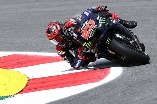Куартараро выиграл квалификацию MotoGP в Портимане. Баньяя поставил рекорд круга, но его аннулировали