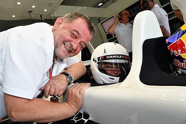 «Работали в Manor? Звоните!» Бывший владелец Minardi вернулся в Ф1