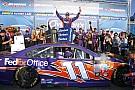 NASCAR Cup Хэмлин впервые в сезоне выиграл гонку NASCAR
