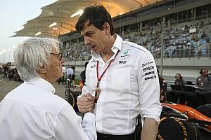 Формула 1 Новость В Mercedes отмахнулись от подозрений Экклстоуна о помощи Ferrari