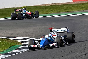 Формула V8 3.5 Новость Оруджеву вернули второе место в первой гонке Формулы V8 3.5
