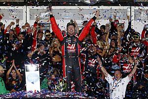 NASCAR Cup Noticias de última hora Kurt Busch firma por un año con Stewart-Haas Racing