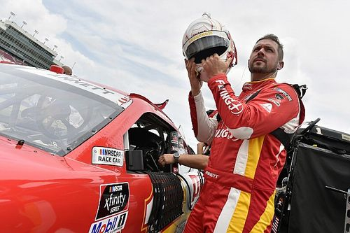 Michael Annett to have surgery, could miss Xfinity playoffs