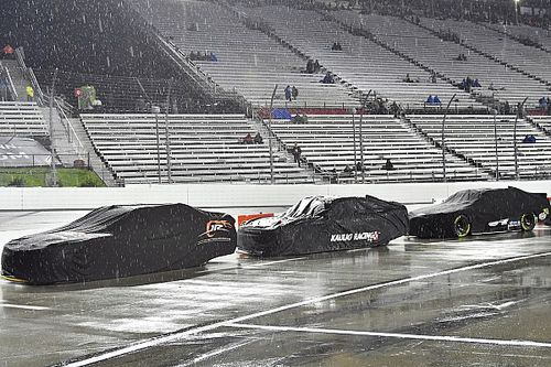Remainder of Martinsville Xfinity race postponed until Sunday