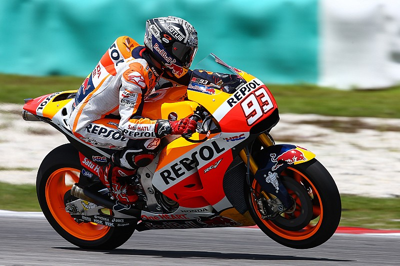 Marquez says Honda a second behind Yamaha