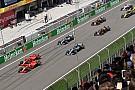 Bottas nézetből, ahogy Vettel erősen letereli Räikkönent a rajtnál a Kínai Nagydíjon
