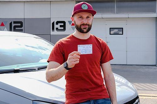 Я получил свою первую гоночную лицензию. Вот как это было