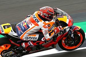 MotoGP Kwalificatieverslag Marquez pakt met recordtijd in Silverstone vierde pole op rij