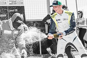 Other open wheel BRÉKING Habsburg Ferdinánd ismét a dobogón ünnepelhetett a Bruce McLaren Motorsport Parkban