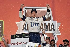 NASCAR Cup Relato da corrida Keselowski sobrevive a caos e vence em Talladega