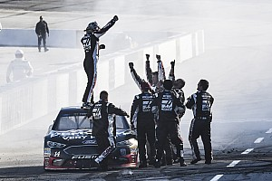 NASCAR Cup Gara Bowyer regala un sorriso ad Haas e torna a vincere dopo 190 gare