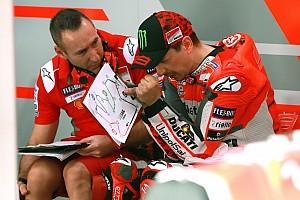 Лоренсо пожаловался, что не может прочувствовать новый байк Ducati