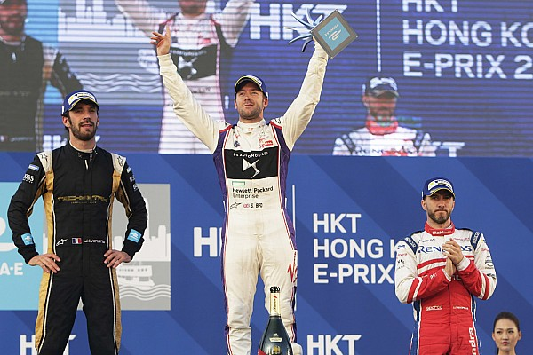Hong Kong ePrix: Bird overcomes penalty to win chaotic opener