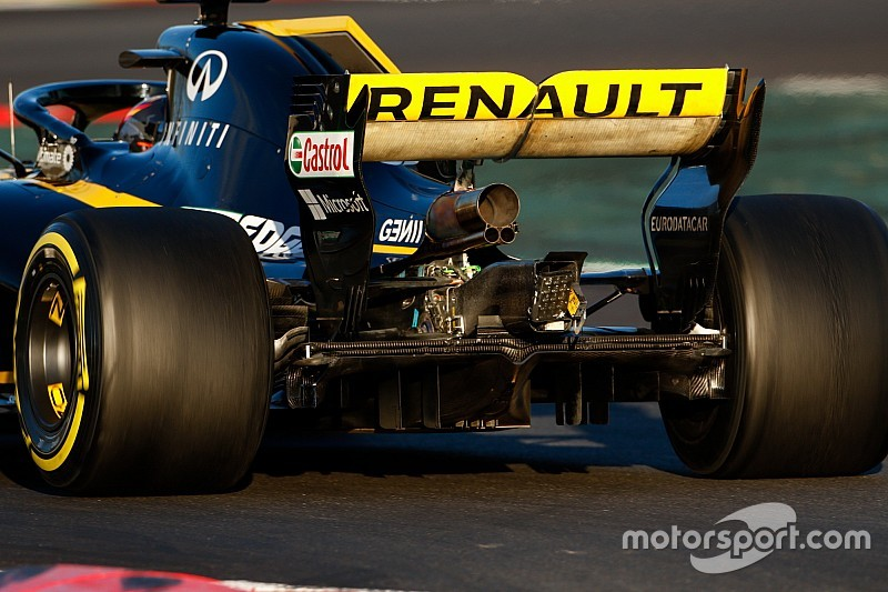 """Renault has """"no concerns"""" over legality of blown wing"""