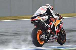 MotoGP Practice report Australian MotoGP: Marquez dominates wet FP3 despite crash