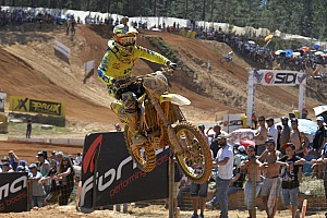 Mondiale Cross Mx2 Gara Pari e patta tra Jeremy Seewer e Pauls Jonass in Portogallo