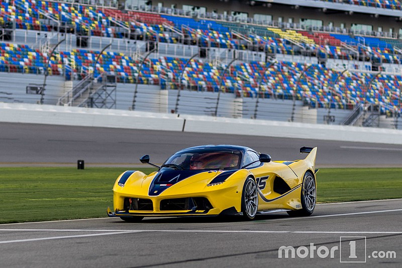 Photos - La Ferrari FXX K de Christine Sloss