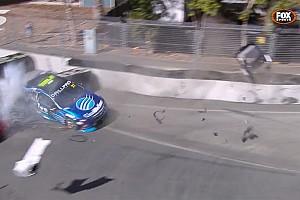 Дебютант Supercars остался без тормозов и расколотил машину: видео
