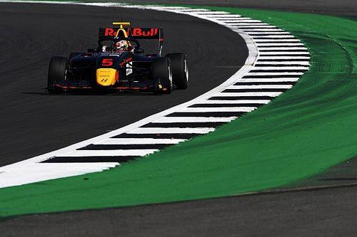 Lawson wint incidentrijke F3-race op Silverstone
