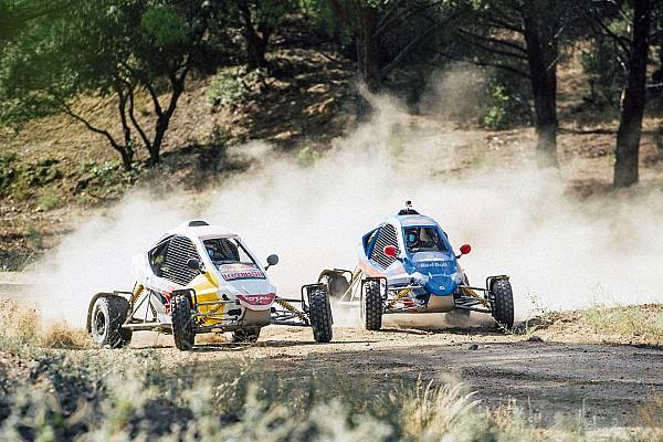 Other rally Artículo especial Vídeo y galería: los Sainz se retan en un vibrante duelo en car-cross