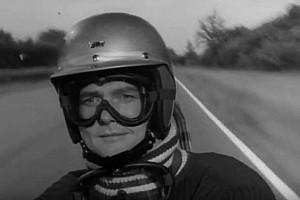 "Omaggio a Roger Moore, ""ex pilota di Formula 1"""