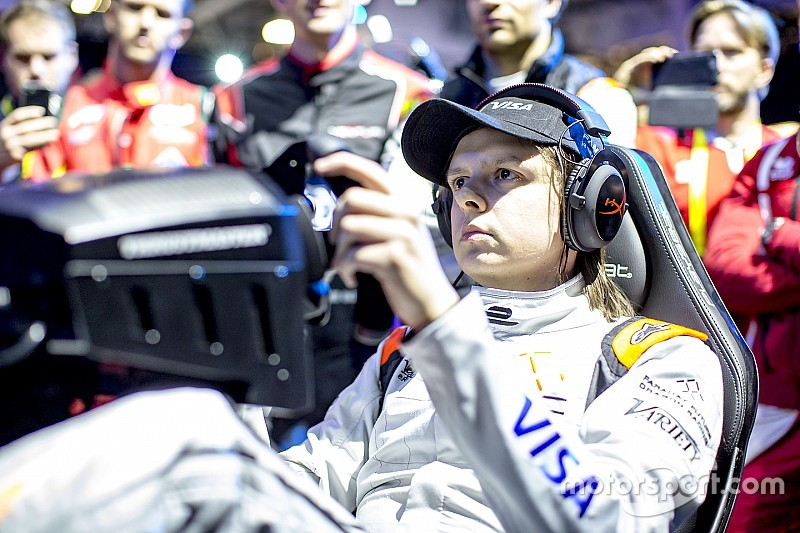 Vegas eRace winner joins McLaren eSports team