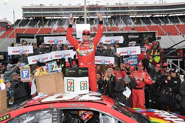 NASCAR Cup Relato da corrida Busch supera Larson no fim e vence segunda prova seguida