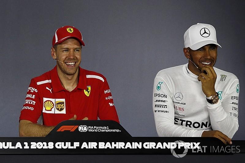 """Vettel defende Hamilton em coletiva: """"Pergunta de m****"""""""