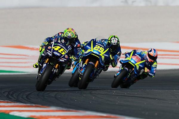 Rossi ve Vinales, Valencia'da Yamaha'nın 2016 şasisini kullanmış