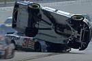 Что бывает, когда машина NASCAR ловит прокол на овале: видео