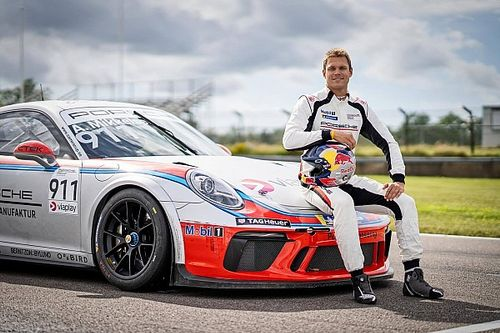 Mikkelsen w Carrera Cup