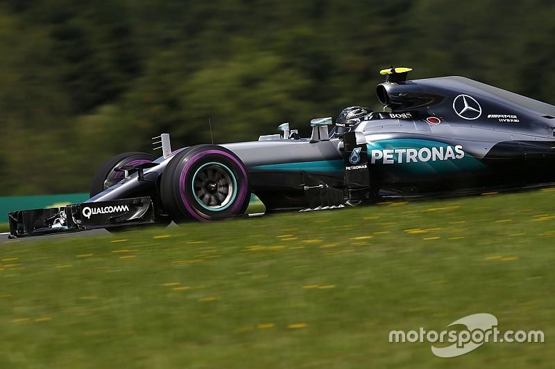 Прохладная погода может сыграть на руку Mercedes