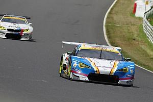 スーパーGT 速報ニュース 【スーパーGT】鈴鹿途中経過:GT300トップ18号車にまさかのトラブル